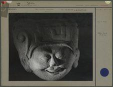 Tête humaine en céramique