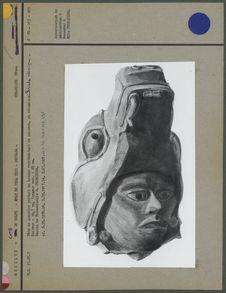 Fragment de statue en céramique