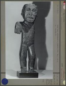 Figure anthropomorphe en serpentine