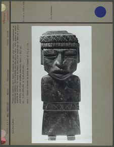 Statuette anthropomorphe en jadéite