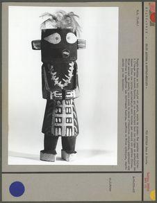 Poupée Kachina, en bois sculpté et peint