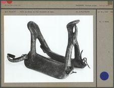 Selle de cheval en bois recouvert de cuir