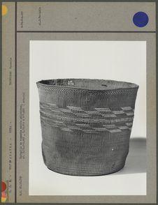 Corbeille en vannerie cordée polychrome