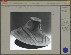 Chapeau à large bord, en vannerie peinte
