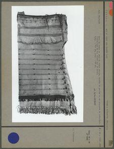 Robe de femme en peau de bison peinte
