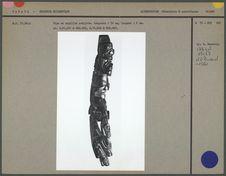 Pipe en argilite sculptée