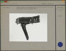Couteau à manche de bois, avec gaine en bois