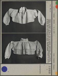 Chemise de dessus courte, en toile de chanvre
