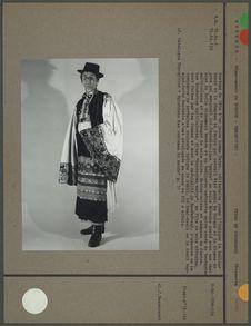 Costume de fête d'un jeune homme Matyo