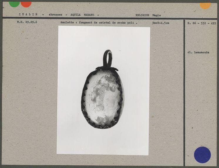 Amulette : fragment de cristal de roche