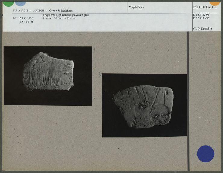 Fragments de plaquettes gravés en grès