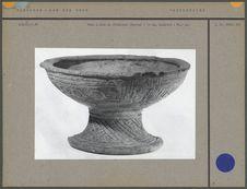 Vase à pied en céramique