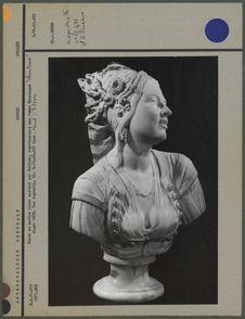 Buste en marbre blanc, femme mauresque, profil