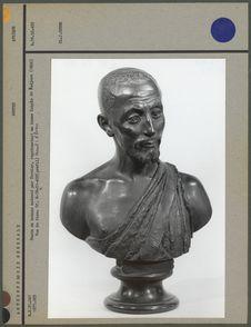 Buste en bronze, kabyle de Badjara, face