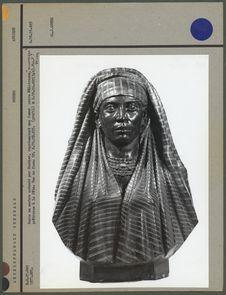 Buste en marbre, femme mulâtresse noire, face
