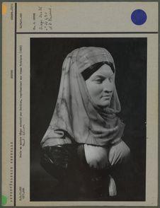 Buste en marbre blanc, femme hydriote