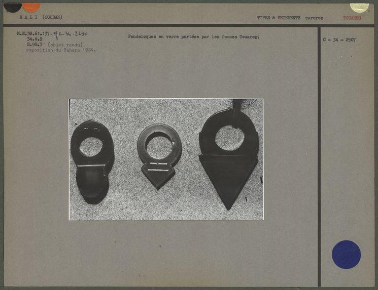 Amulettes-pendentifs en cornaline