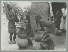 Marchandes d'eau au marché de Ouagadougou