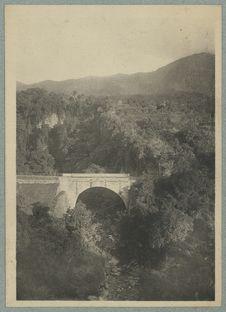 Guadeloupe ; Pont du galion entre Basse-Terre et Dolé-les-Bains
