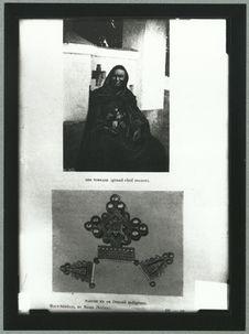 Sidi Torrade (grand chef maure) et Parure en or (travaille indigène)