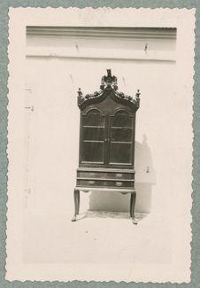 Meuble ayant appartenu à Mahé de la Bourdonnais. Réunion.