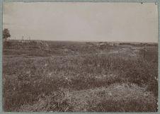Aspect du plateau à Carnot [paysage avec des constructions en arrière-plan]