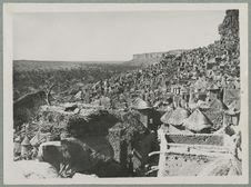 Falaise de Sanga. Vilage d'Iréli
