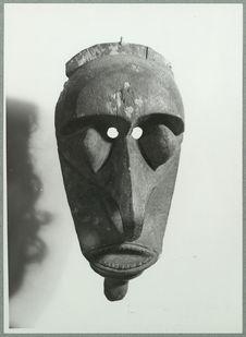 Vanuatu. S. Pentecôte [masque]