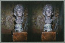 Sans titre [sculpture représentant une tête féminine. Musée national des arts...