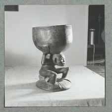 Pot à camwood à motif d'Atlas