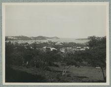 Entrée du port de Nouméa vue du haut du parc du Gouvernement