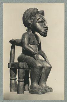 Portrait d'un chef. Sculpture Baoulé de tradition moderne executée par un...