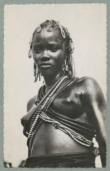 Oubangui-Chari : danseuse Sango