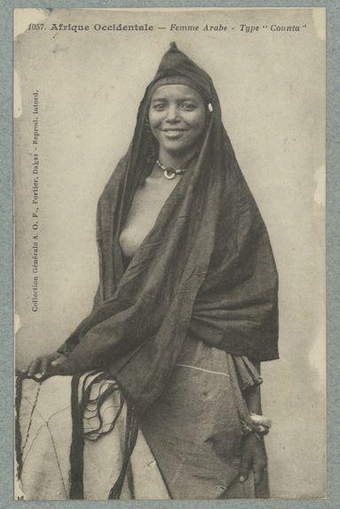 Afrique Occidentale. Femme arabe. Type Counta