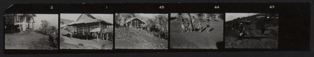Buang Watut. Mission 1954-55. Planche contact de 5 vues de Mapos : portrait d'enfants et habitations
