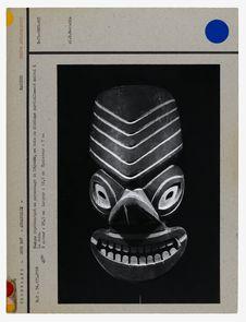 Masque représentant un personnage de légende