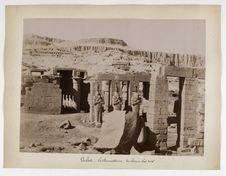 N°818. Thèbes. Ramesseon. Vue panoramique avec tombeaux des Rois
