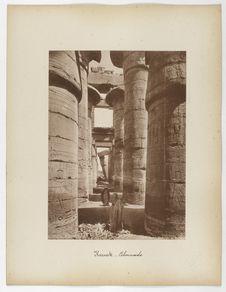Karnak. Colonnade