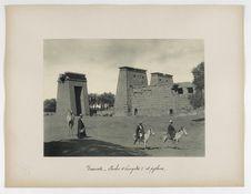 Karnak. Porche d'Euergetes I et pylône