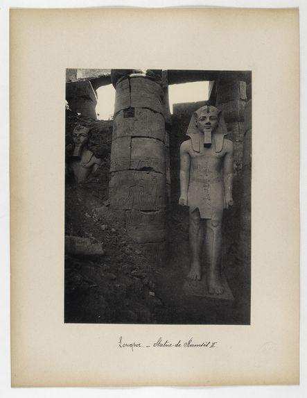 Louqsor. Statue de Ramsès II