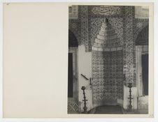 Sans titre [intérieur d'une mosquée ou d'un palais ?]