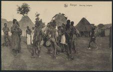 Bangui, dancing indigène