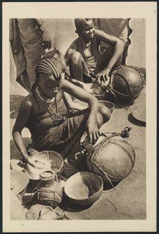 Marchandes de lait à Fort-Lamy