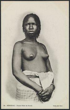 Jeune fille de Gorée
