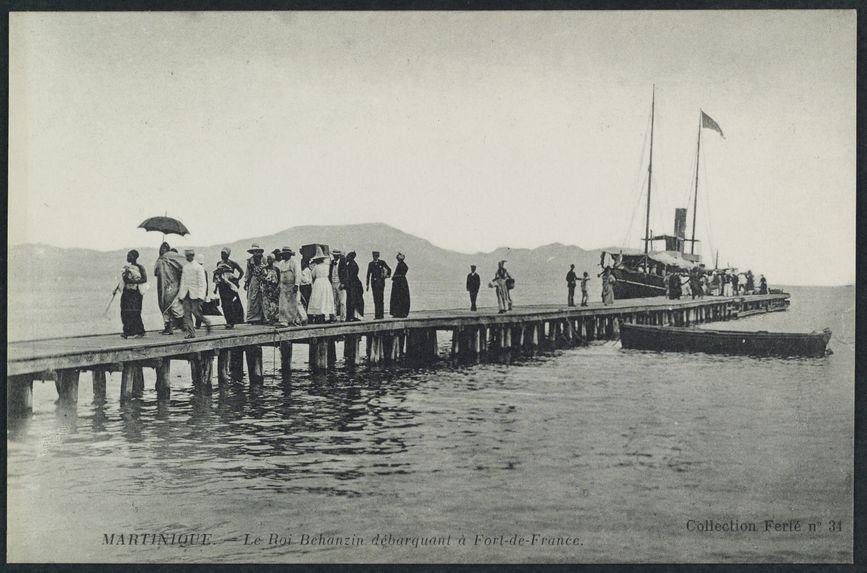 Le roi Behanzin débarquant à Fort-de-France