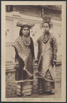 Bruidsmeisjes (Pajakombo), Sumatra's Westkust