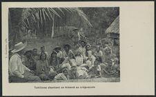 Tahitiens chantant un himené au crépuscule