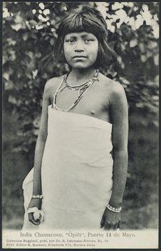 """India Chamacoco, """"Opièt"""", Puerto 14 de Mayo"""