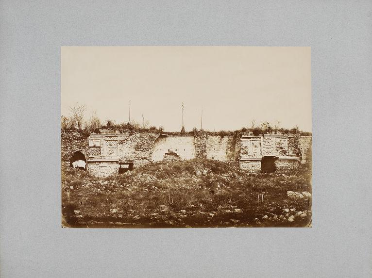 Palais des nonnes à Uxmal, façade dite de la couleuvre