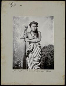 Jeune fille fidjienne